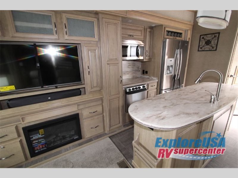 Entry To The Redwood 39MB Brings You Right Into The Galley Space. And How  Stunning Is This Kitchen? LG Solid Surface Counter Tops And Backsplash, ...